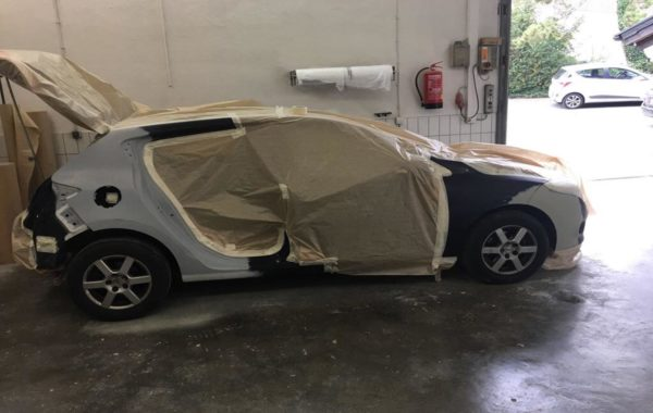 Renault vor der Lackierung